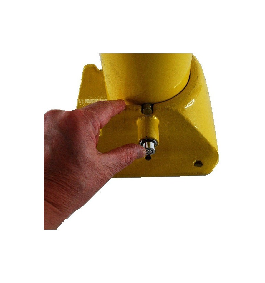 H D Fold Down Security Post Amp Chain No Parking Logo S